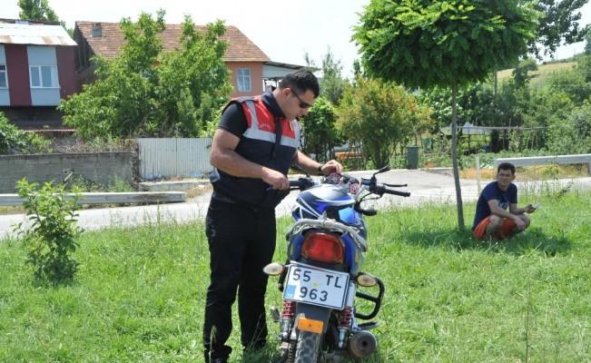 Motosikletler kafa kafaya çarpıştı: 2 yaralı