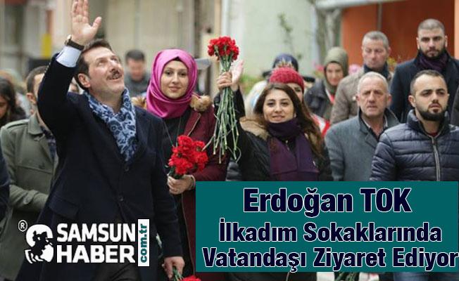 Başkan Erdoğan Tok, Herkese Karanfil Dağıttı